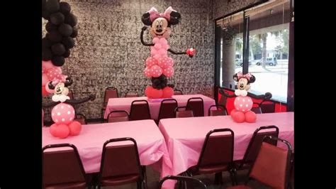 Minnie Mouse Balloon Arch, Columns, and Centerpieces - YouTube