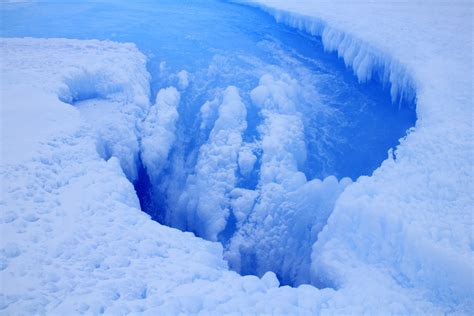Antarctica: East Antarctic Ice Sheet is melting and full