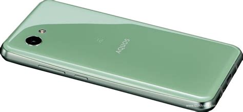 Sharp Aquos R2 compact pictures, official photos