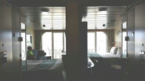 Photo tour of connecting Category D7 balcony staterooms on