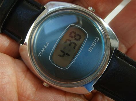 VINTAGE TIMEX SSQ LCD H CELL WATCH METALLIC BLUE DIAL