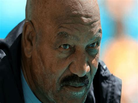 Every Browns Player Stands for the Anthem After Jim Brown